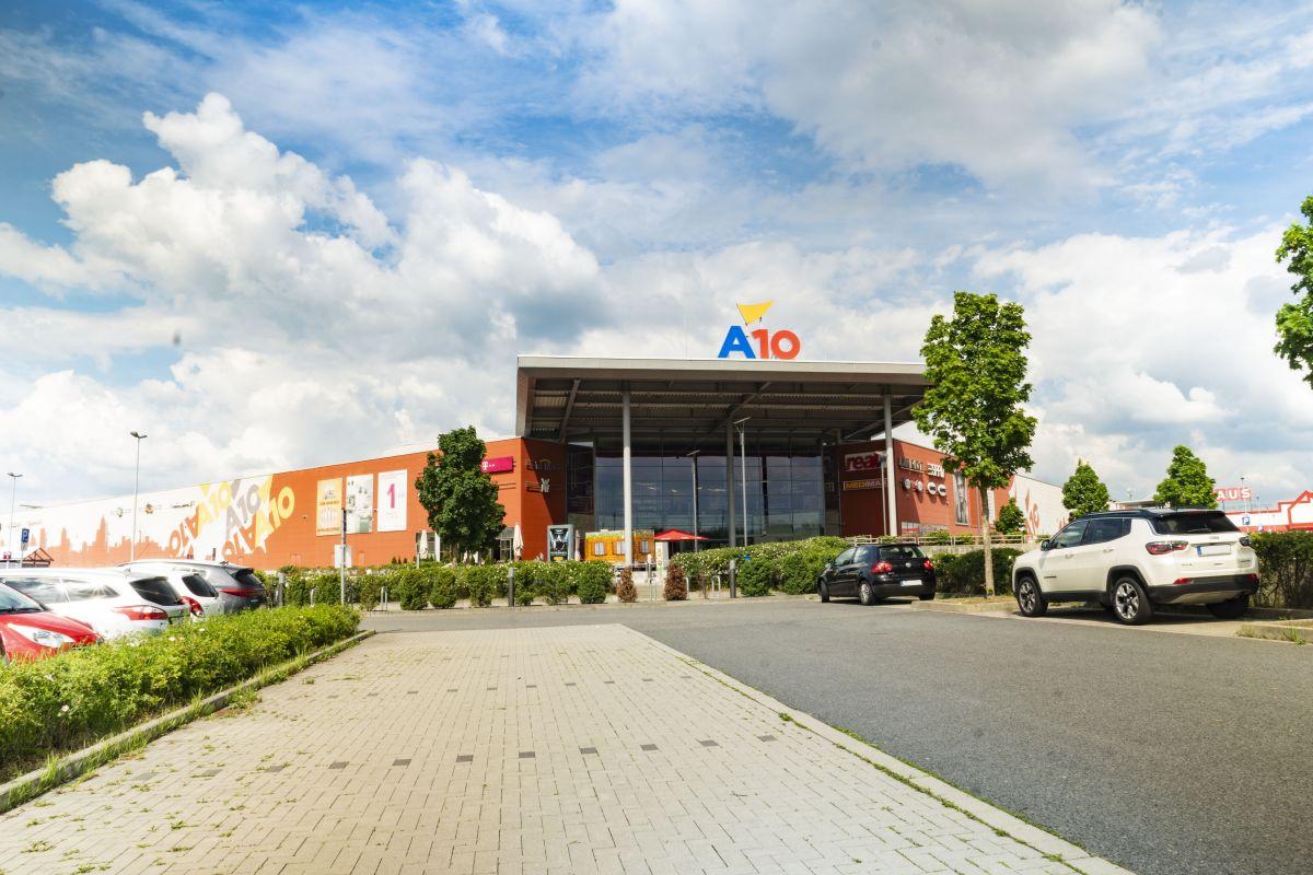 A10 Center Kino